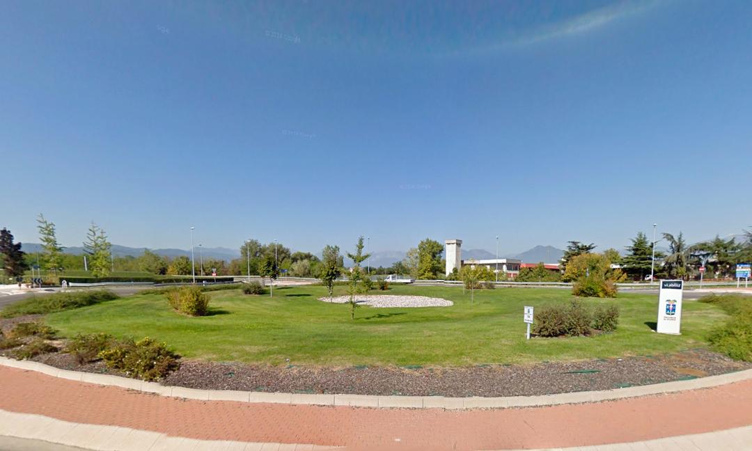 2007 - Rotatoria S.P. 349/S.P. Capiterlina a Villaverla (VI). APM (Albiero, Faresin, Sbalchiero)