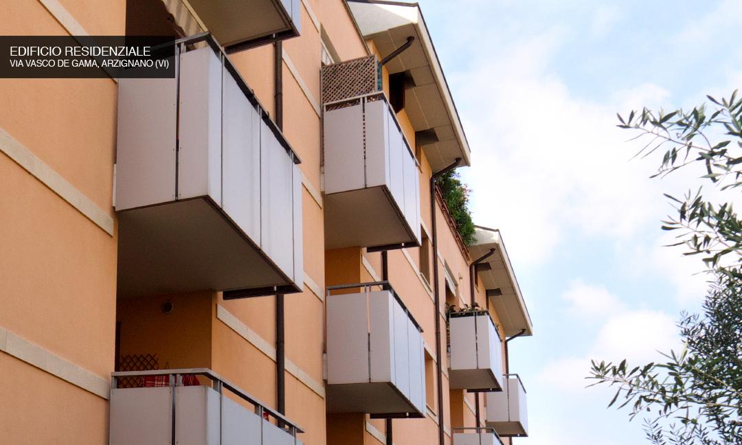 2004 - Edificio residenziale con 22  appartamenti in Via Vasco de Gama ad Arzignano (VI). APM (Albiero, Faresin, Sbalchiero)